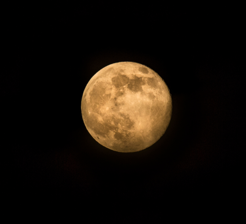 Learn how to Photograph the NOLA Supermoon!